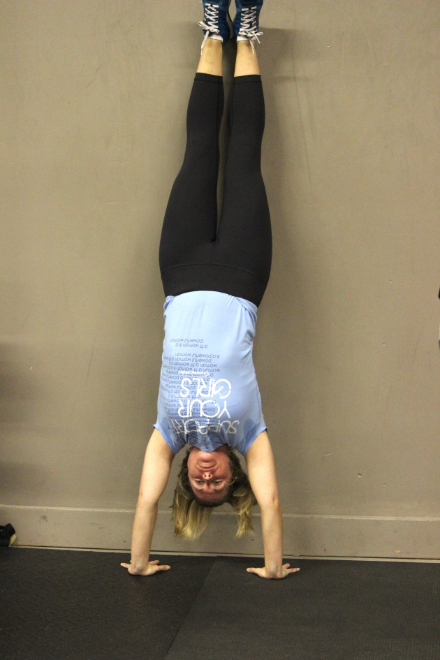 A solid handstand by Kelly